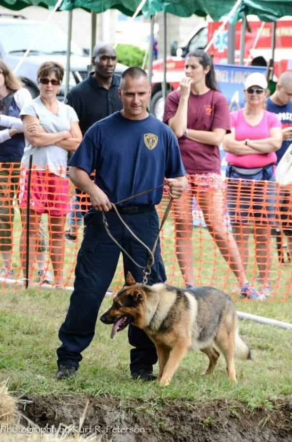 officer says goodbye to k9 partner